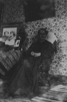 travelcreepster: One of the maids, whom it is said was on her third day of work – without warning leapt headfirst from the balcony, killing herself. The stains from blood and bleach are still present on the steps where she landed to this day.Visitors to Monte Cristo mansion say her ghost can be seen in the upper floors to this day.