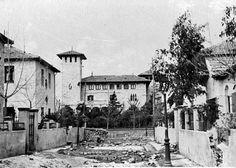 Castillo de Bofarull y Paseo de Extremadura  EL PALACIO VISTO DESDE LA CALLE DE LOS CHALECITOS (C/ Clemente Fernández) QUE TODAVÍA EXISTEN EN LA ACTUALIDAD.
