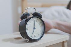 Mit 16 Tricks entspannt zum Frühaufsteher werden - Getting up early made easy (German)