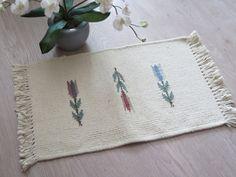 Vintage Swedish Woven Rug Rag, Off White Floral, 60 x 41 cm / 23,6'' x 16,1'' Scandinavian Floor Home Decor @109