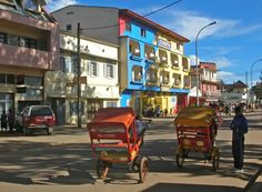 Antsirabe - See the wonderful arts and crafts in Antsirabe: taking a pousse-pousse tour of artisanal workshops is the thing to do in this bustling highland town. Marvel at the skill of local craftsmen creating toys from recycled tin cans, wooden sculptures, zebu-horn jewellery, polished gems and minerals, embroidered tablecloths, silk scarves, raffia handicrafts and more!