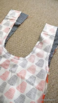Wonderful Free of Charge sewing tutorials pockets Thoughts Making reversible bag Sewing Hacks, Sewing Tutorials, Sewing Crafts, Sewing Patterns, Sewing Projects, Hobo Bag Tutorials, Hobo Bag Patterns, Japanese Knot Bag, Diy Handbag
