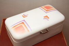 Vintage Brotkästen - Brotkasten Brotdose Email 14 - ein Designerstück von zweiteetage bei DaWanda