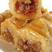 Easy to Make Baklava Rolls Recipe – Food Recipes – Susanne – macedonian food Lebanese Cuisine, Lebanese Recipes, Greek Recipes, Greek Desserts, Finger Desserts, Wow Recipe, Rolls Recipe, Baklava Roll Recipe, Middle Eastern Desserts