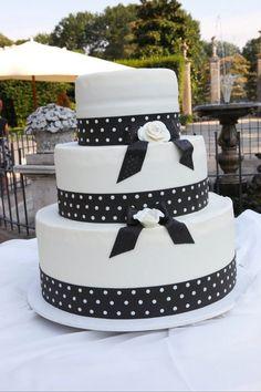 Wedding Cake: Black & White Ti amo Ti Sposo