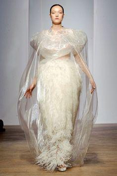 Yiqing Yin Haute Couture fall/winter - The Glam Pepper Fish Fashion, Fashion Art, Fashion Show, Fashion Design, Fashion Details, Yiqing Yin, Haute Couture Gowns, Fashion Images, Mode Style