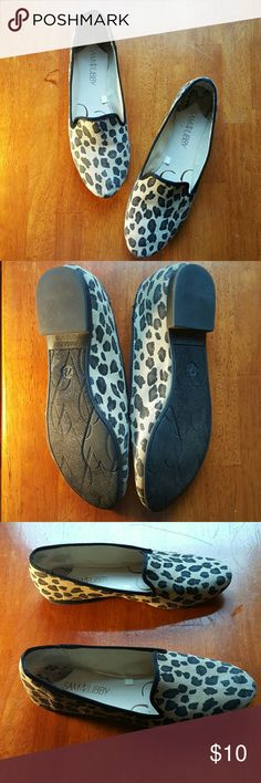 Sam & Libby flats Leopard print..tan black brown...in good condition other than a rub spot on right shoe from cleaning😏 sam & libby Shoes Flats & Loafers