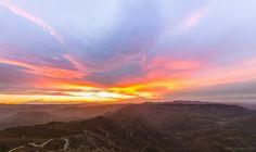 https://flic.kr/p/LZVpYw   Amanecer sobre las alturas.   Desde el pico de Santa…