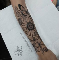 Classy Tattoos For Women, Hip Tattoos Women, Tattoos For Women Half Sleeve, Shoulder Tattoos For Women, Mommy Tattoos, Boho Tattoos, Forarm Tattoos, Body Art Tattoos, Tattos