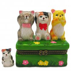 The timeless hinge box has been popular for decades as a kids gift or collectible used for jewelry, rings or trinkets. This hand painted kittens (hear no evil see no evil) jewelry box is made of ceram
