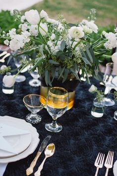 Black & Gold tablescape