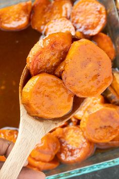 These Easy Southern Candied Sweet Potatoes are covered in a sugar buttery mixture and baked until tender. Its the perfect side dish for any table. Southern Sweet Potato Recipe, Sweet Potato Recipes, Southern Recipes, Candied Yams Easy, Candied Sweet Potatoes, Veggie Side Dishes, Potato Dishes, Vegetable Sides, Canned Yams