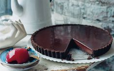 A chocolate crust. With a chocolate filling. And a chocolate top.