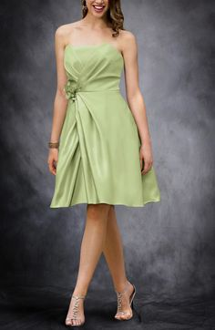 This is a lovely bridesmaid dress. It's a classic style that is strapless, A-line design and with a cute corsage on waist. Style Code: 08319 $69 Get it here: http://www.outerinner.com/mock-wrapped-strapless-bridesmaid-dress-pd-08319-12.html #OuterInner #BridesmaidDress
