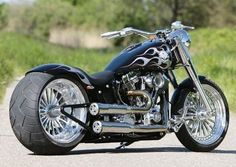 Chopper and Customs Motorcycle Photos Motos Harley Davidson, Harley Davidson Custom Bike, Chopper Motorcycle, Motorcycle Design, Motorcycle Style, Custom Paint Motorcycle, Motorcycle Travel, Motorcycle Accessories, Custom Choppers