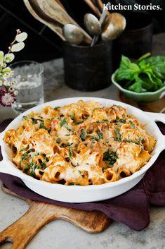 Pesto baked rigatoni with mushrooms - Baked Penne Pasta, Baked Rigatoni, Mushroom Recipes, Veggie Recipes, Cooking Recipes, Vegetarian Recipes, Dinner Recipes, Spinach Stuffed Mushrooms, Stuffed Peppers