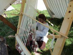 setting up ww loom at Goeulzin journée du patrimoine 2010