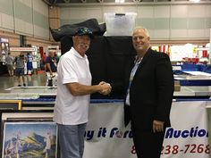 NY Yankee HOF'er & long time friend, GOOSE GOSSAGE stooping by my booth at the NSCC in AC to help me kick off my new On-Line Auction!!!  Check it out: www.payitforwardauction.com