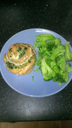 Salmon pinwheel and steamed broccoli
