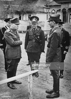 Antonescu Ion Politician General Romania speaking to officers in a Romanian village Photographer PresseIllustrationen Heinrich Hoffmann. Cold War, Politicians, Ww2, Army, Military, Vintage, World War, Fotografia, Pictures