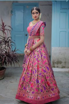 Designer Lehnga Choli, Lehenga Saree Design, Half Saree Lehenga, Lehenga Designs, Indian Gowns Dresses, Indian Fashion Dresses, Indian Designer Outfits, Girls Fashion Clothes, Clothes For Women