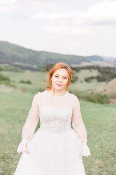 Romantic bridal portrait Bridal Poses, Bridal Portraits, Girls Dresses, Flower Girl Dresses, Destination Wedding Photographer, Brides, Romantic, Wedding Dresses, Inspiration