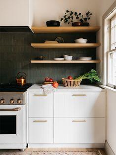 dark green backsplash Tall Kitchen Cabinets, Ikea Cabinets, Kitchen Cabinet Doors, Ikea Kitchen, Kitchen Hacks, Kitchen Ideas, Wall Cupboards, White Cabinets, Kitchen Inspiration