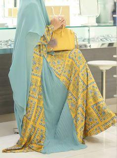 Dress modest yellow 22 New ideas Islamic Fashion, Muslim Fashion, Modest Fashion, Fashion Dresses, Mode Abaya, Mode Hijab, Muslim Dress, Hijab Dress, Modest Dresses