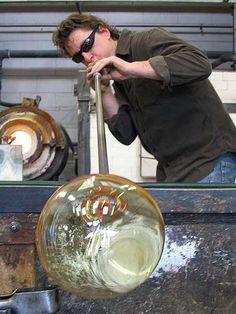 Glass Blower - Whanganui Region - te Ara Encyclopedia of New... - vteera.govt.nz