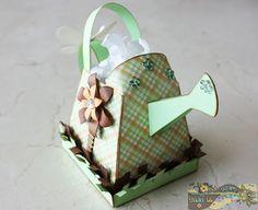 Regaderita de mano- Envoltura para dulces: My Crafty Little Bee