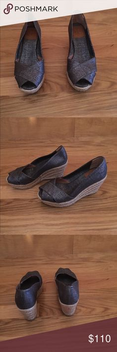 Tory Burch peep toe wedge espadrilles Tory Burch peep toe wedge espadrilles in a denim fabric with silver threading. Worn twice! In great condition. Tory Burch Shoes Espadrilles