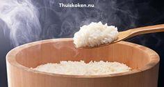 Lees hier hoe je stap voor stap de perfecte sushi rijst moet maken. Zie meer info op www.thuiskoken.nu of bestel nu alle ingrediënten online op QRtoko.nl