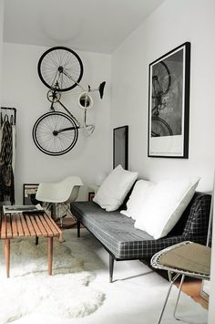 How to Decorate Your Bachelor Pad Without it Looking Sleazy  http://2via.me/Np49InLD11