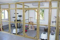 Pension Pour Chat, Cat Kennel, Cat Cages, Dog Rooms, Cat Room, Diy Stuff, Laundry Room, Shelter, Kitty