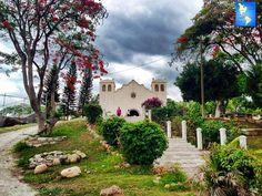 La Iglesia de San Sebastian Comayagua fue construida en 1580 y en la misma se encuentra la tumba del general José Trinidad Cabañas, Ex Presidente de Honduras.