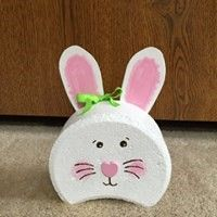 projects with cement blocks Bunny crescent brick Bunny Crescent Brick Painted Bricks Crafts, Brick Crafts, Painted Pavers, Brick Projects, Painted Rocks, Hand Painted, Diy Projects, Spring Crafts, Holiday Crafts