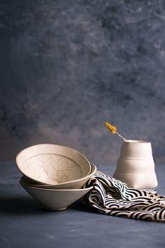 white ceramic patterned bowls by Freefolding studio. #Freefolding #ceramics #bowls #kitchenware #ceramicstudio #homedecor #etsy