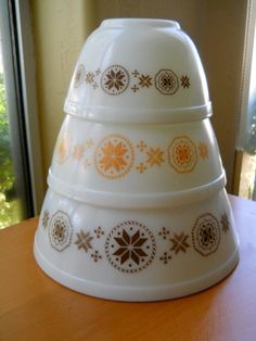 Set of Three Town and Country Vintage Pyrex Mixing by cyndalees, $29.00