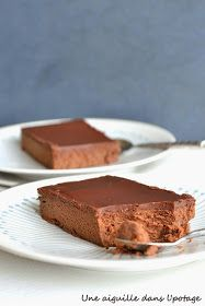 Mascarpone and chocolate cake by Cyril Lignac Gourmet Recipes, Dessert Recipes, Cooking Recipes, Gourmet Foods, Chefs, Layered Deserts, Gateau Cake, Molecular Gastronomy, Pavlova