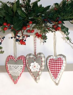 French Inspired Heart with Vintage Trims  great by Chezpetitpica, €8.00