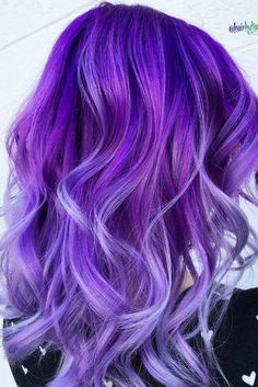 See here the gorgeous ideas of purple hair colors to use with long curls and waves in We've rounded up here the fresh purple hair colors with various shades to wear nowadays. We assure you these purple shades work with different hair colors. So, pic Hair Tips Dyed Purple, Hair Dye Tips, Colored Hair Tips, Hair Color Purple, Hair Dye Colors, Cool Hair Color, Dyed Hair, Purple Ombre, Purple Hair With Blonde