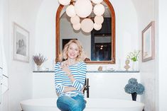 Style & Beauty! It's fabulous to see that so many of our brands are natural beauty Naomi Watts favourites too! Including Vintner's Daughter, Rahua, Kjaer Weis, The Beauty Chef and May Lindstrom. Check out her beauty routine with Into The Gloss 💚