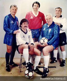 seleccion de chile - Buscar con Google School Football, Liverpool Fc, Old School, Soccer, Retro, Legends, Popular, Collection, Google