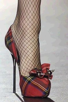 Tartan shoes (with fishnets) Tartan Shoes, Plaid Heels, Crazy Shoes, Me Too Shoes, Talons Sexy, Shoe Boots, Shoes Heels, Bow Heels, High Shoes