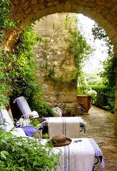 oh to be lying on those lounges without a care in the world, enjoying #Provence #France
