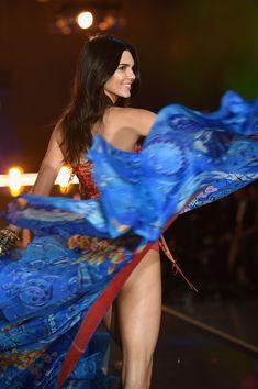 Kendall Jenner Photos - Victoria's Secret Fashion Show 2015 - Zimbio