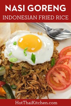 Nasi Goreng is a classic Indonesian fried rice that's so delicious and satisfying. Also very kid friendly! Asian Noodle Recipes, Easy Asian Recipes, Side Recipes, Ethnic Recipes, Thai Street Food, Yummy Pasta Recipes, Vegan Recipes, Cooking Recipes, Nasi Goreng