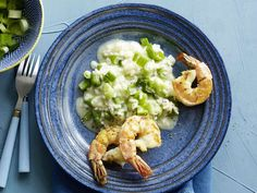 Frühlingszwiebel-Risotto mit Crevetten | Migusto Risotto, Parmesan, Shrimp, Ethnic Recipes, Food, Seafood, Recipe, Kitchens, Pisces