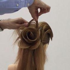 Beautifully done glam hair tutorial  By: @georgiykot