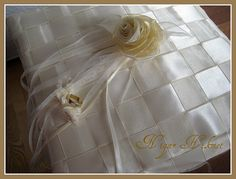 Ring pillow   by nigarhikmet